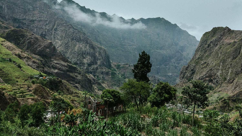 indrukwekkende bergen - corona kaapverdië