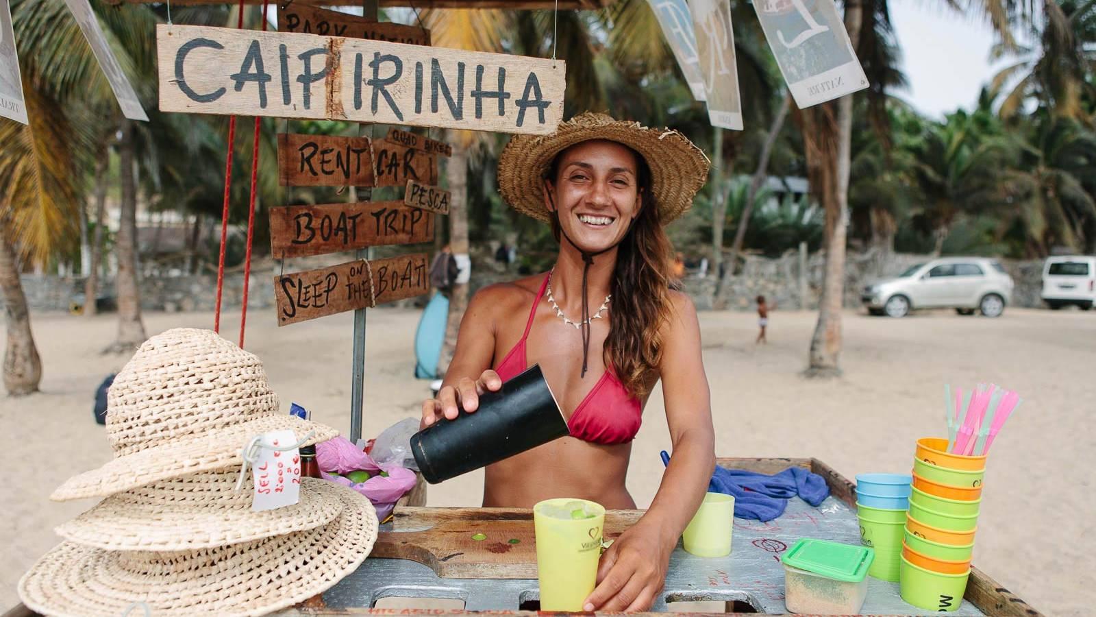 drankje op het strand van tarrafal