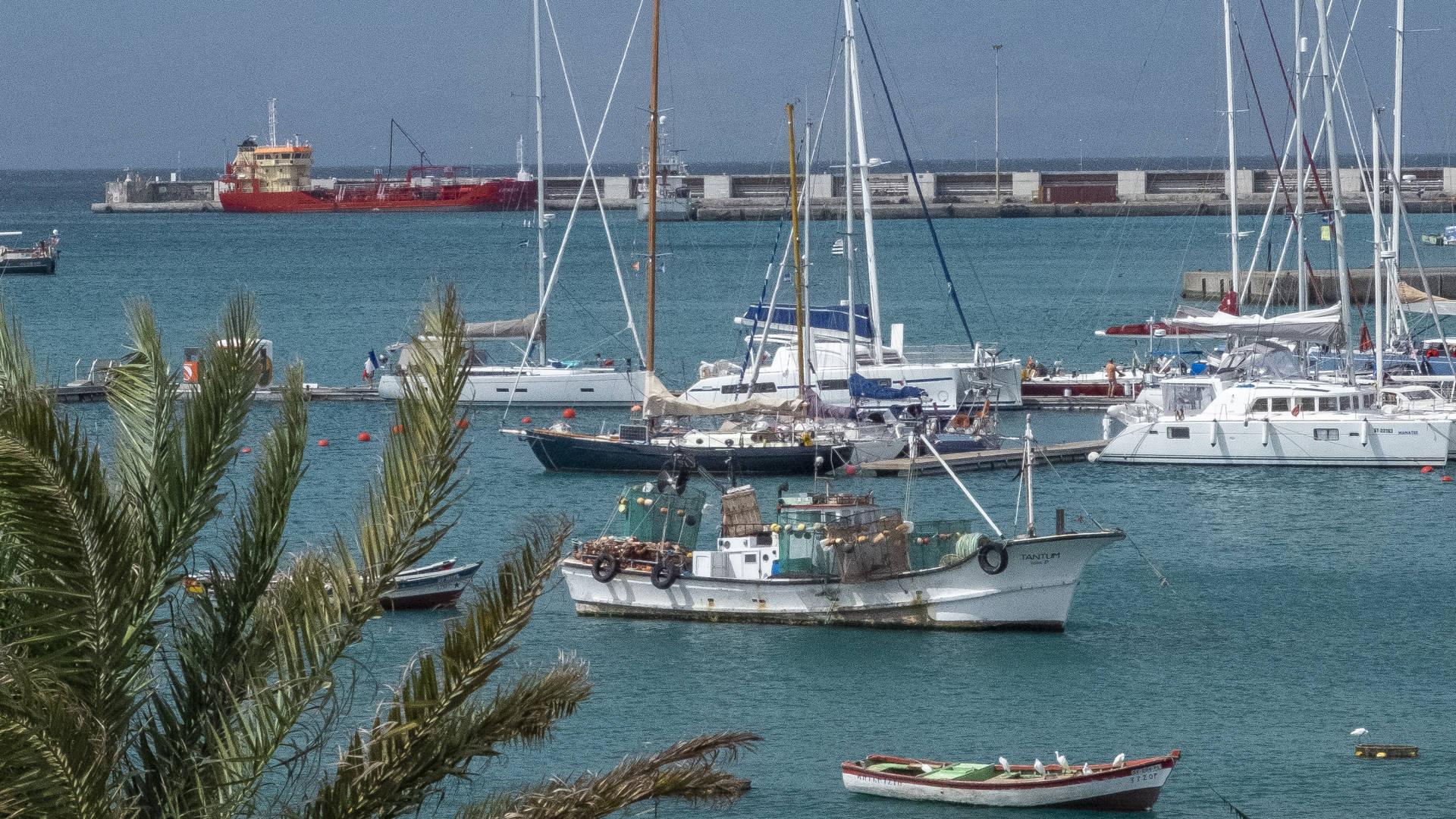 De haven van Sao Vicente - Zo neem je de veerboot tussen São Vicente en Santo Antão